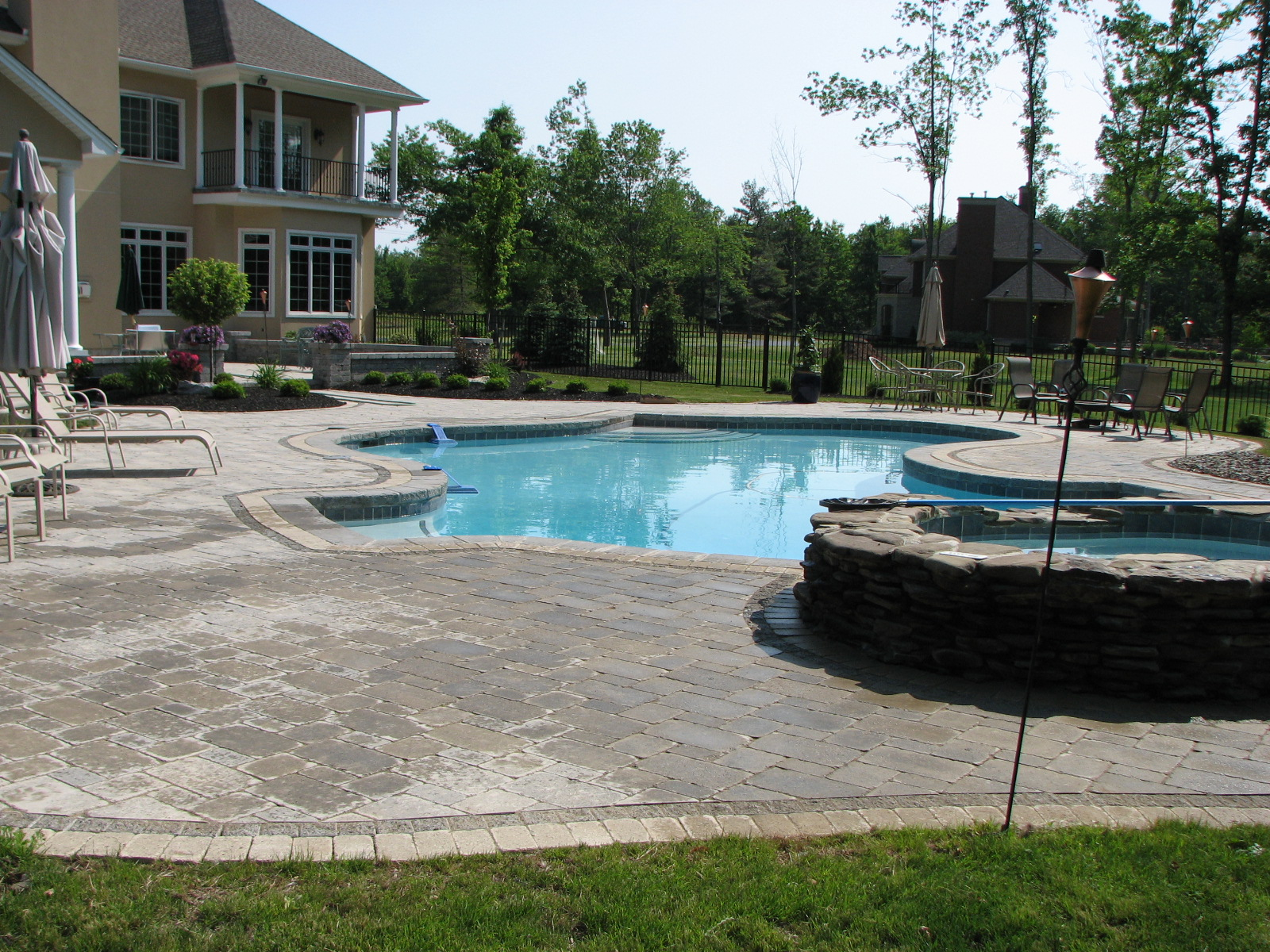 Swimming pool surrounds bison nursery for Swimming pool surrounds design